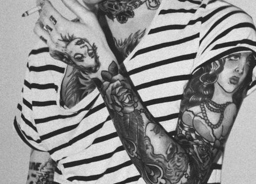 Guys full sleeve w. multiple portraits and flowers