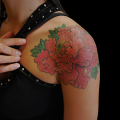 side hip big roses flower tattoo. Black Bedroom Furniture Sets. Home Design Ideas
