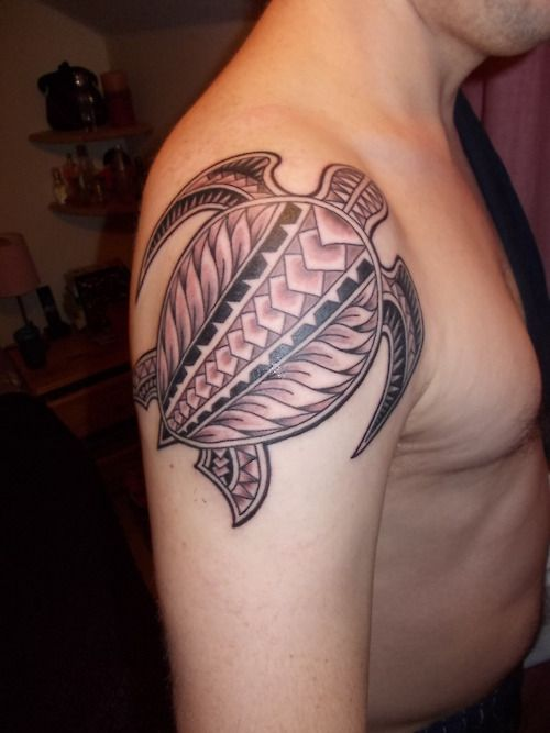 Polynesian sea turtle shoulder tattoo